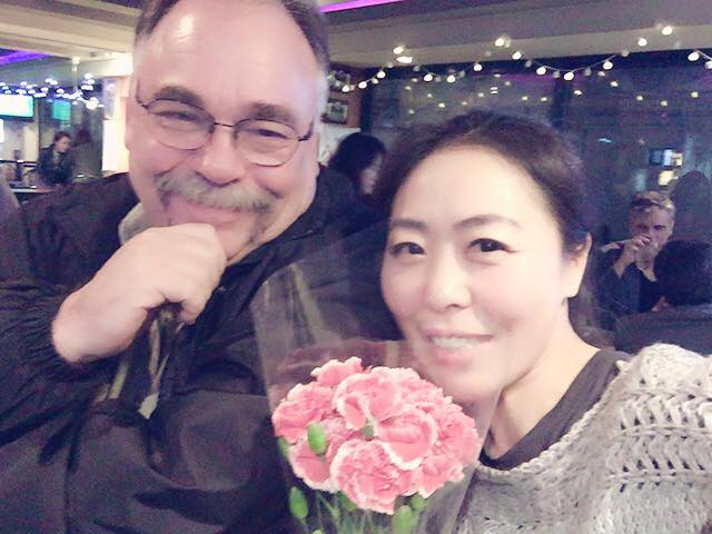 Where I ran into my dart league protege Choonae. The flower ajumma came through so I bought some flowers. But no, there was no romance involved. I'm squarely in the friend zone with Choonae. Damn it!