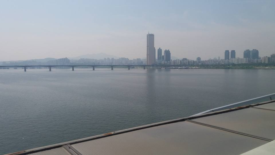 And from the bridge leading to the Yeouido side of town...