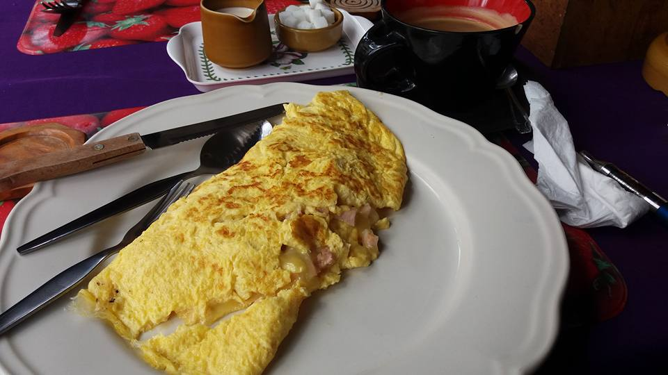Biggest damn omelette I ever did see! And the coffee was excellent too.